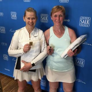 Finalister i klassen DS60: Anna-Carin Månsson (Lidingö TK) och Elisabet Angenberg (Danderyds TK)