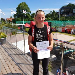 Sara Dahlström vann flickornas 18-årsklass utan att tappa ett enda set.